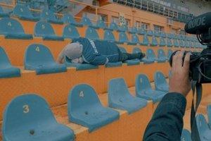 """Vnajbližších dňoch uverejnia aj """"backstage"""" video. Natáčalo sa na košickom futbalovom štadióne vČermeli."""