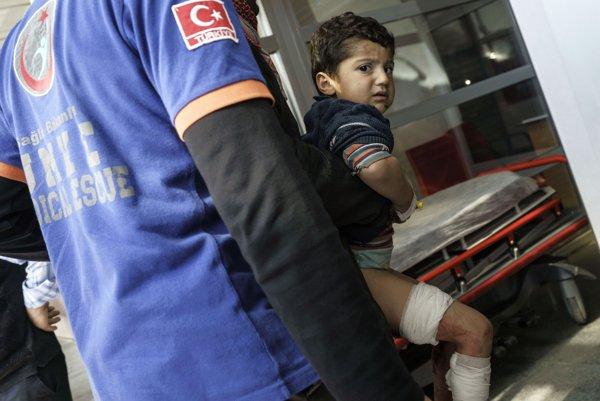 Rusko označilo za neprijateľné obvinenia na svoju adresu za zničenie nemocnice v Sýrii.