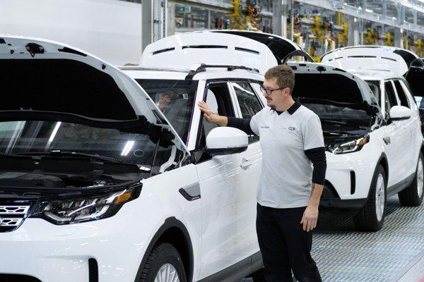 Spoločnosť Jaguar Land Rover vo štvrtok 25. októbra 2018 oficiálne otvorila svoj nový výrobný závod v Strategickom parku Nitra.