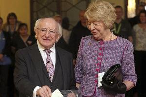 V írskych prezidentských voľbách zvíťazil Michael Higgins.