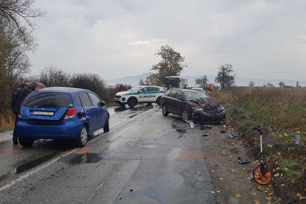 Nehoda si vyžiadala život človeka a dve ľahšie zranenia.