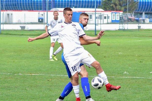 Ondrej Vrábel strelil v nedeľu víťazný gól juniorky FC Nitra.