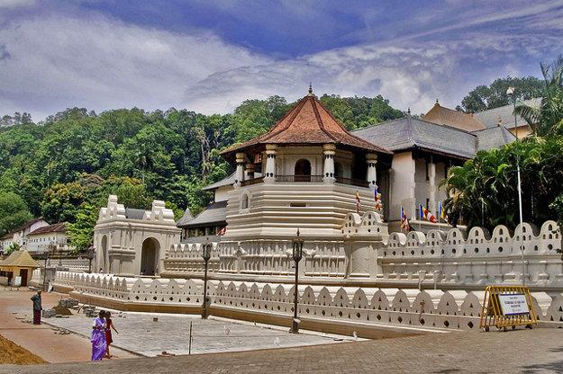 Palácový komplex Sri Dalada Maligawa ukrýva najvýznamnejšiu budhistická relikviu.