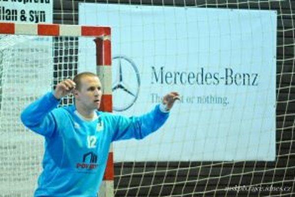 Najlepším hráčom Pov. Bystrice bol brankár Ladislav Kovačin.