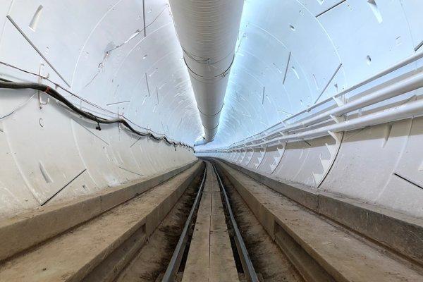 Tunel vrtnej spoločnosti Elona Muska sprístupnia pre verejnosť deň po otváracej párty 10. decembra.