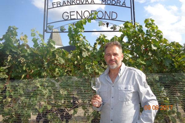 Račiansky vinohradník a vinár Ivan Vrana.