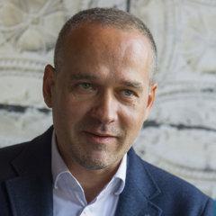 Komisii dopravy a informačných systémovk bude šéfovať poslanec Jozef Uhler.