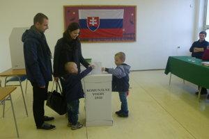 V Hlohovci chodili voliť najmä mladí.