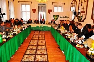 Osemnásti poslanci budú v mestskom parlamente sedieť aj v nasledujúcom funkčnom období.