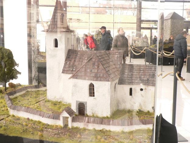 Kostolík v Ludrovej, ktorý možno ukrýva templársky poklad.