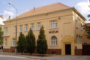 Múzeum Jána Thaina.