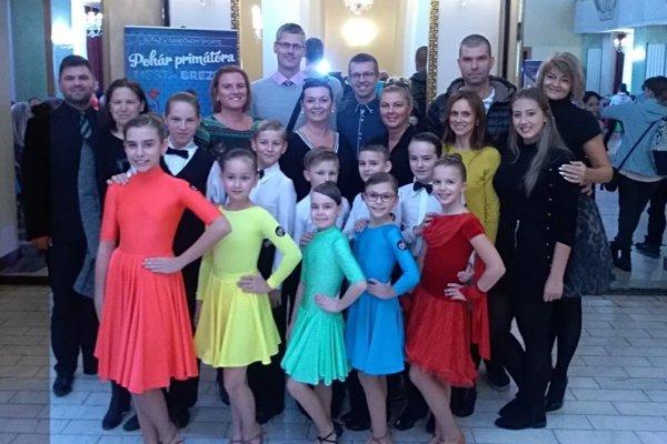 Tanečná súťaž v Brezne a reprezentácia Aknely.