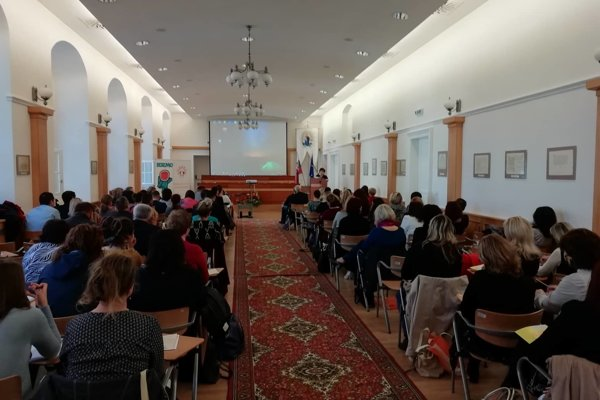 Odborníci v Trnave debatovali na tému pomoci obetiam násilia.
