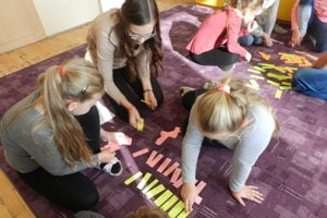 V spolupráci sučiteľmi arodičmi si pripravili pre žiakov príťažlivé akcie.