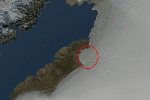Kruhový útvar na povrchu pevninského ľadovca, ktorý naznačuje prítomnosť krátera po dopade obrovského asteroidu.