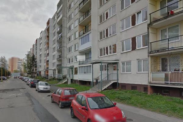 Incident sa stal v jednej z brán bloku na Ždiarskej ulici.
