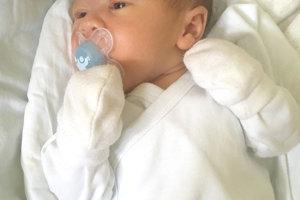 Šťastným rodičom Zuzane a Jánovi Krivočenkovcom z Horného Pialu sa narodil 2. novembra synček MATEO ako prvé dieťa. Dieťatko po narodení meralo 49 cm a vážilo 3,3 kg.