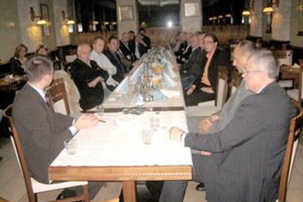Stretnutie ministra hospodárstva Juraja Miškova a štátneho tajomníka Martina Chrena s podnikateľmi sa nieslo v duchu priaznivých správ.