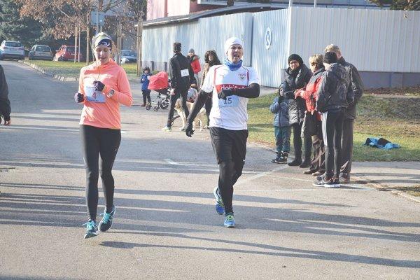Ľubomíra Maníková beháva občas súťažne aj s manželom Tomášom.