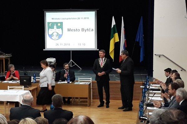 Prvé zasadnutie mestského zastupiteľstva v Bytči.