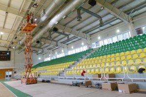 V levickej športovej hale vymieňajú osvetlenie.