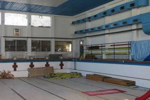 Vnútorný bazén na Eve už niekoľko rokov nefunguje.