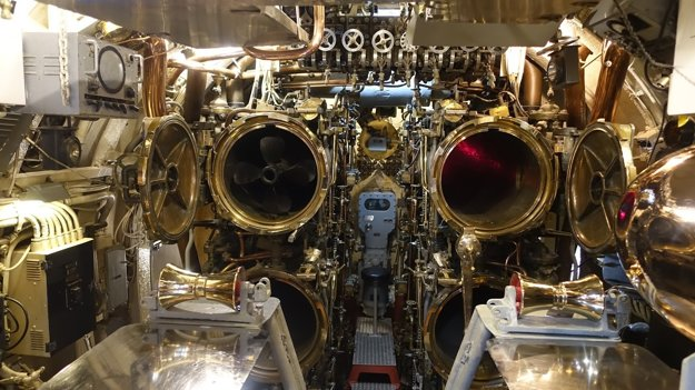 Torpédová miestnosť v ponorke USS Bowfin v Pearl Harbor. Ponorky sa spolu s lietadlovými loďami stali rozhodujúcimi silami vojny v Pacifiku.