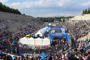 Cieľ Aténskeho autentického maratónu na legendárnom Panaténajskom štadióne z antických čias.