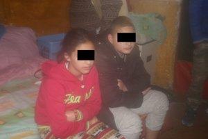 Deti, ktoré prežili, nocovali u susedov.