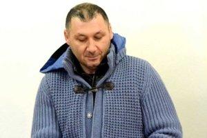 Taliansky podnikateľ Antonino Vadala mal podľa slovenskej policajnej pridelenkyni v Ríme Dáši Mackovej stanovište jemu naklonených colníkov priamo v jeho firme v Michalovciach.