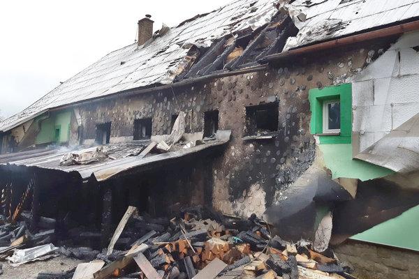 Poškodená budova Lesnej správy.