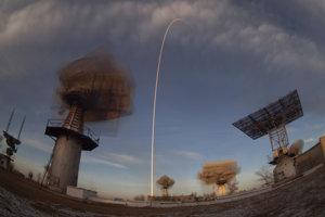 Raketa dopraví na Medzinárodnú vesmírnu stanicu nových členov posádky. Predchádzajúci pokus 11. októbra bol neúspešný z dôvodu zlyhania nosnej rakety Sojuz-FG.