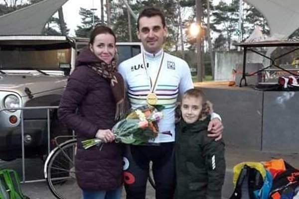 Milan Barényi s rodinou.