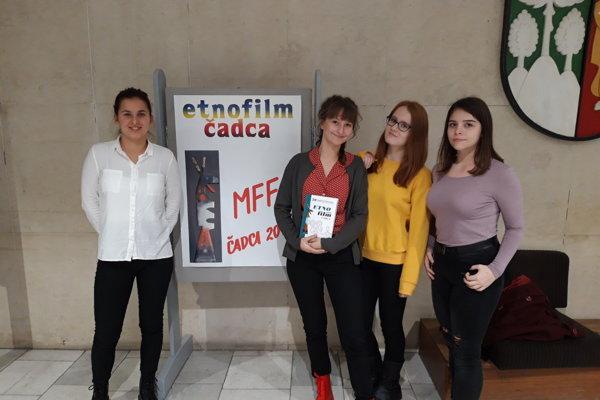 Aj mladí moderátori zTV junior si pozreli Etnofilm.