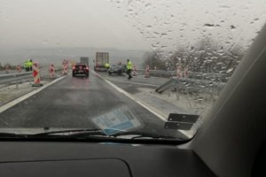 Nehoda na diaľnici z PO do KE