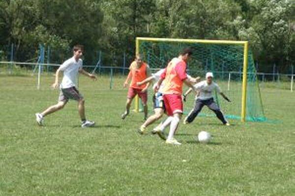 Na ihrisku v Dolnej Marikovej mala premiéra v malom futbale úspech.