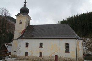 Liptovsko-oravský seniorát Evanjelickej cirkvi augsburského vyznania zatiaľ neregistruje žiadosť obce o prenájom kostola a ani neuvažuje, že by ho prenajal.