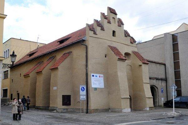Vernisáž sa uskutoční v piatok 14. decembra v mestskej galérii Caraffovej väznice.