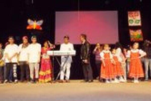 Oslavy Dňa Rómov naberajú na popularite každý rok.
