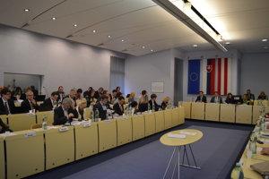 Decembrové zasadnutie mestského zastupiteľstva.