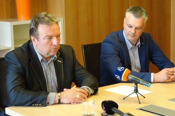Mikulášsky primátor a šéf hokejového klubu.
