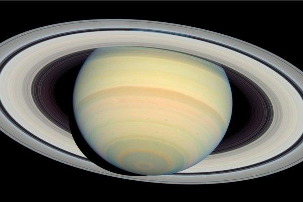 Saturn stráca svoje prstence tak rýchlo, ako ukazovali najhoršie scenáre.