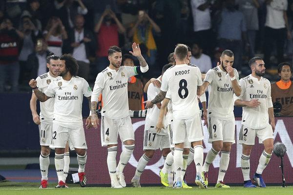 Real Madrid oslavuje postup do finále.