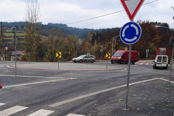 Do súčasnej križovatky je možné umiestniť kruhový objazd s priemerom 30 metrov. Bude preto menší.