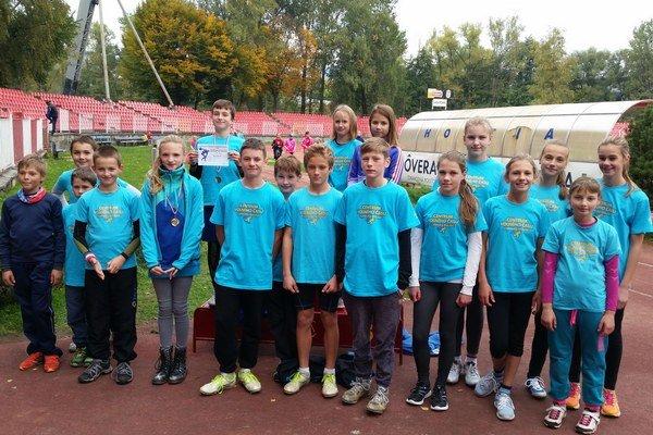 Mladí liptovskí atléti vBratislave. ⋌FOTO: (KR)