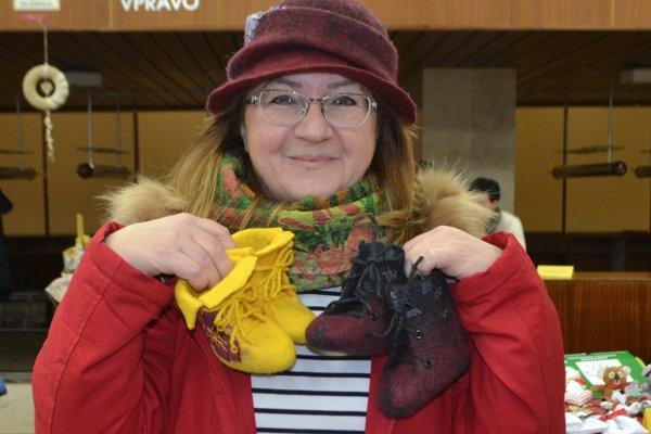 Jarmila Konôpková a jej roztomilé detské topánočky.