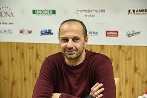 Asistent trénera Dukly Trenčín Ján Pardavý starší s krátkym zostrihom.