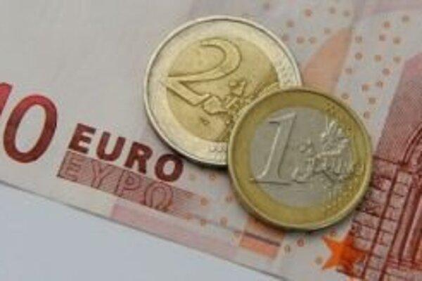 Nedostatok peňazí v obecnej pokladnici trápi aj samosprávu v Kvačanoch.