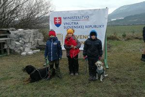 Vyvrcholením projektu bola aj súťaž so psíkmi.