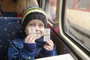 Nostalgickú jazdu z Košíc do Kysaku absolvovali deti aj dospelí.